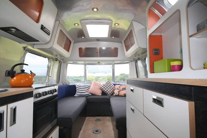 Funky Airstream 10-30mins Surf/Swim/Sail Beaches