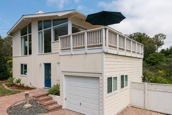 Renovated Beachside Home - Near Mesa Lane Beach