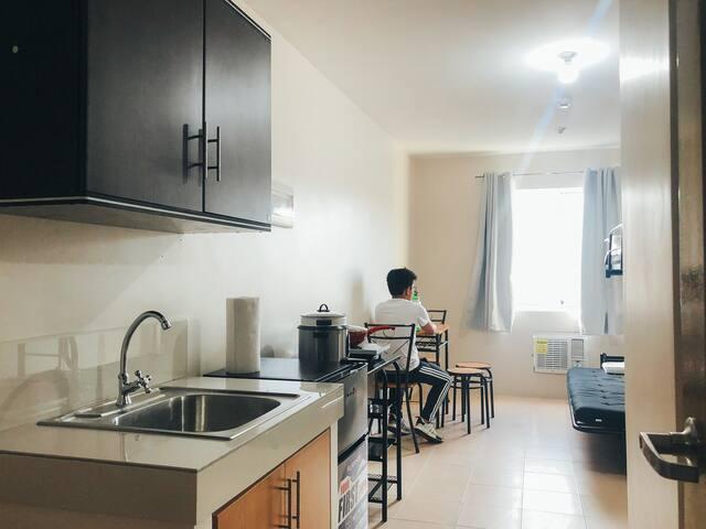 8Spatial STUDIO Condo For Rent