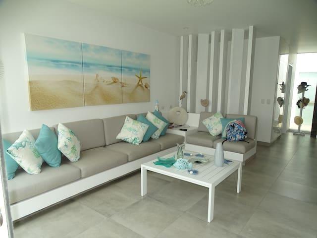 Casa de playa en Las Lagunas de Puerto Viejo