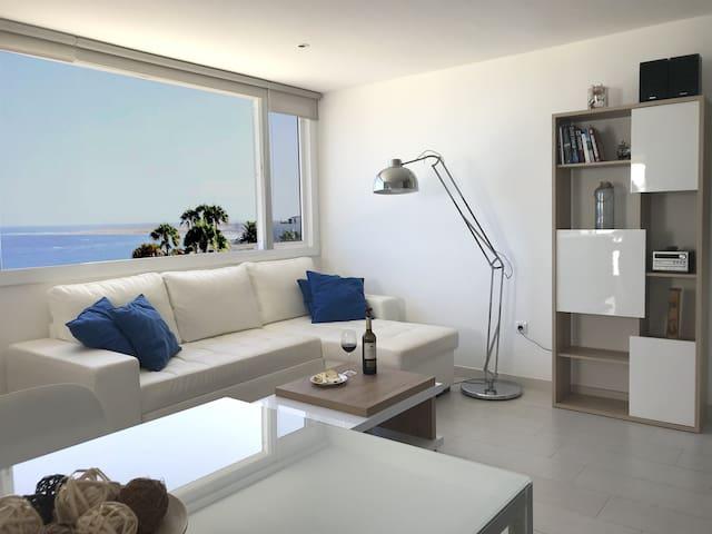 Fabulous upper floor with stunning sea views