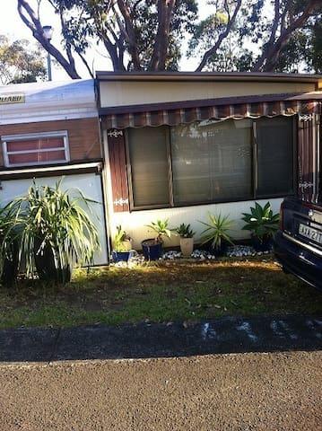 Cabin/onsite caravan+annex+verandah - Bulli - Cabana