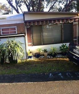 Cabin/onsite caravan+annex+verandah - Bulli