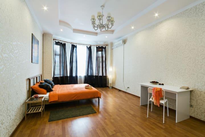 Tverskaya 3 bedrooms apartment