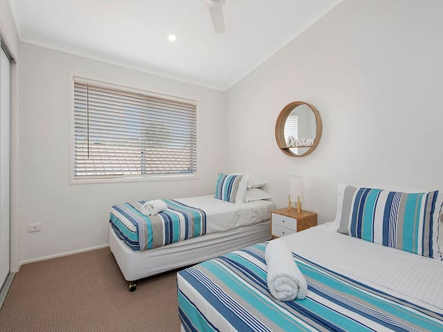 Air conditioned Bedroom With 2 King Single Beds, Ceiling Fan and Built In Wardrobe, A/C.