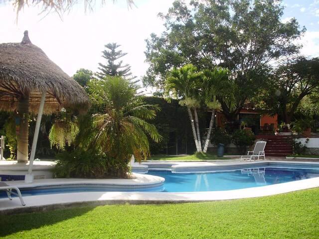 Quinta del Sol renta para fines de semana  eventos - Tehuixtla - House