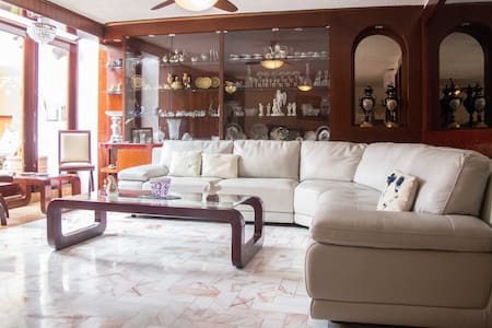 Private room and bath w/Organic Mexican Breakfast! - Cancún - House