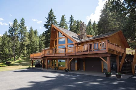 Pine Lodge Mountain Retreat