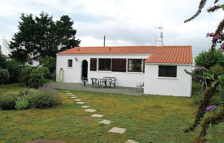 Holiday cottage with 3 bedrooms on 68m² in L'Aiguillon sur Mer