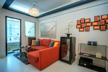smartly arranged dining /living area