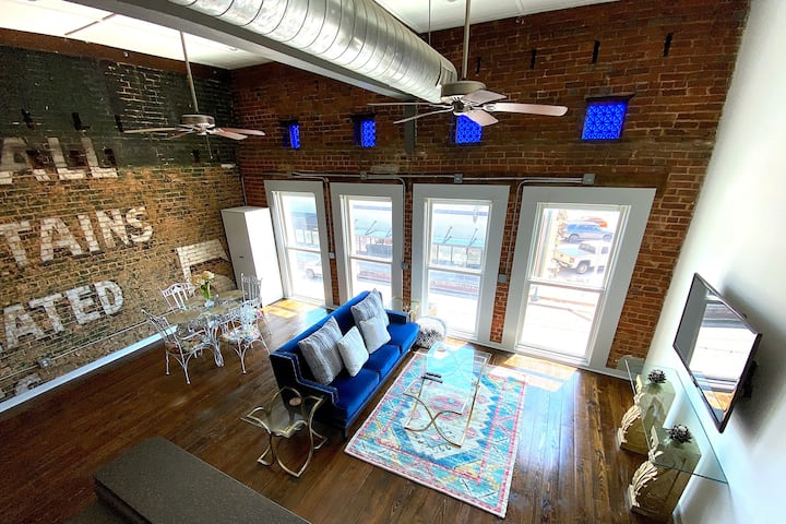 The Coca-Cola Loft: Sleek, Downtown Loft on Main