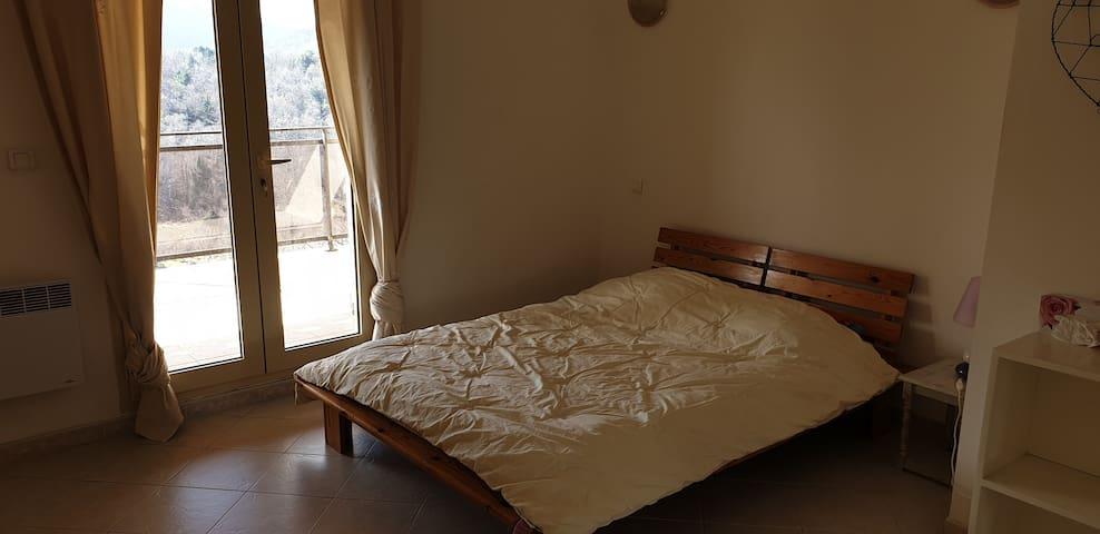 Chambre 2 avec terrasse