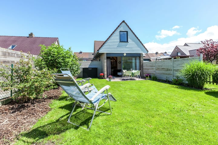 Holiday Home in Bredene, Terrace, Fenced Garden