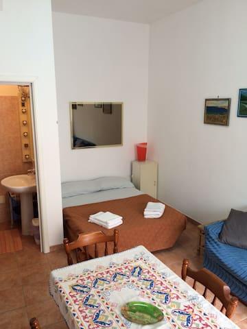 Monolocale comodo e in posizione strategica - Avola - House
