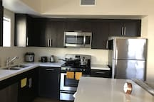 Irvine Center 2BD near Disney & Beaches!