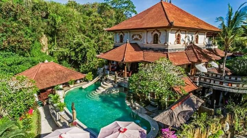 Rumah Indah Luxurious Villa with pool