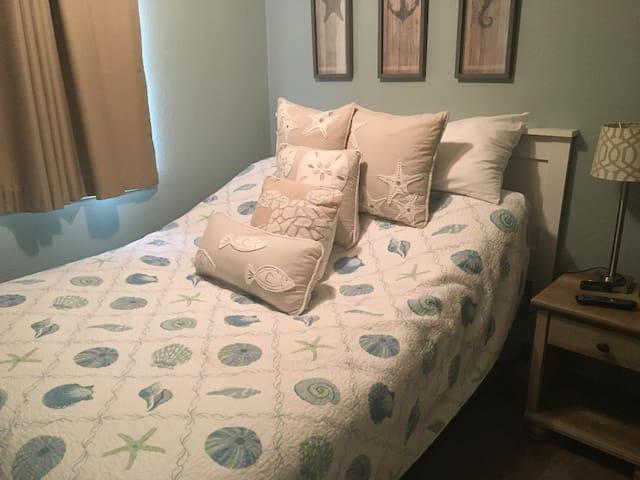 New Beauty Rest Adjustable Queen Bed