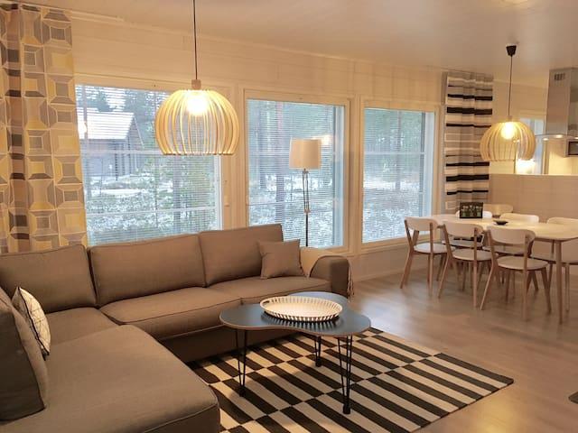 Villa Sandy, moderni huvila Vierumäen ytimessä. - Heinola