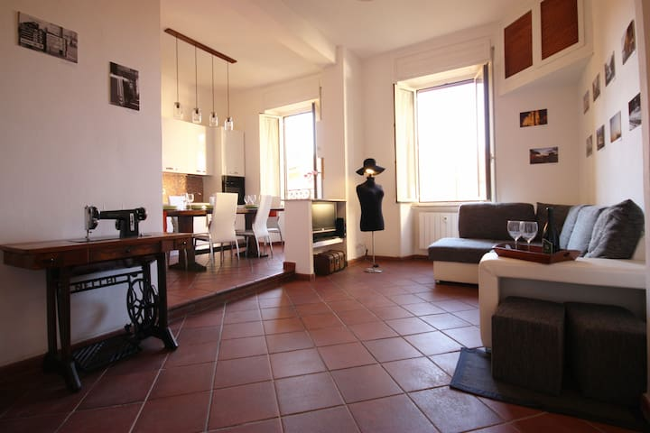 Call Me Home Central Top Floor 3 Rooms Sanitized Apartments For