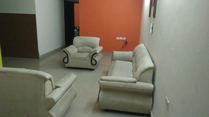 Dmosk Service Apartment (Antriksha 1 Bed room)