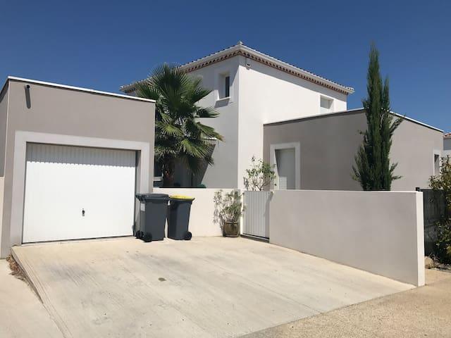 Villa contemporaine proche Montpellier et plages