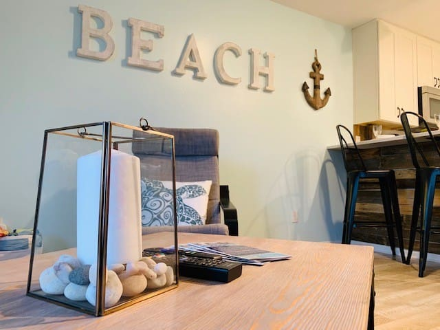 Rustic Beach Condo 3 blocks from the beach!