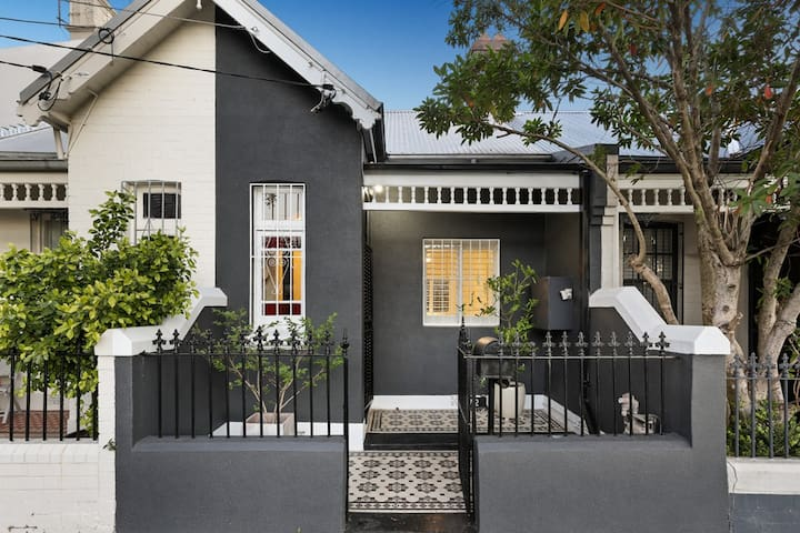 Beautiful 2 bedroom house in fabulous Newtown - Newtown - House