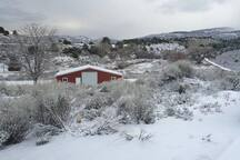The ranch enjoys intermittent snow between November and May.