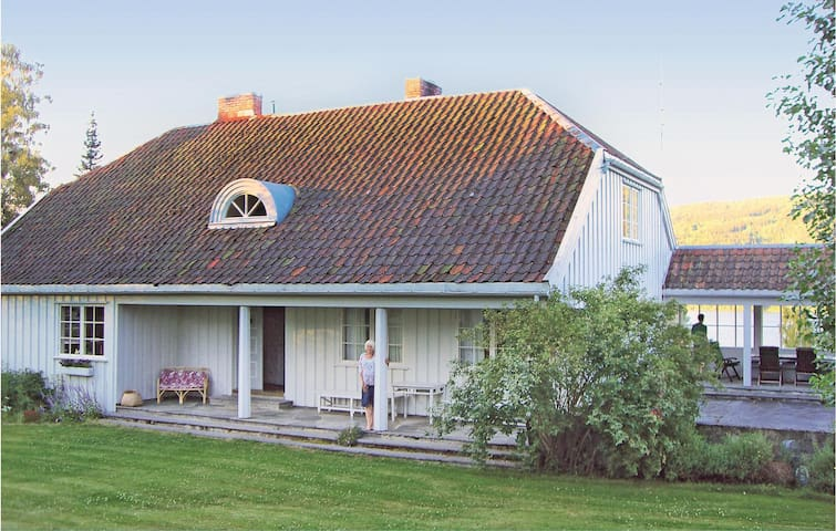 Holiday cottage with 3 bedrooms on 168m² in Hov