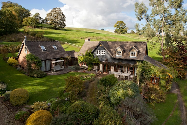 Magical house, gorgeous grounds and stunning views
