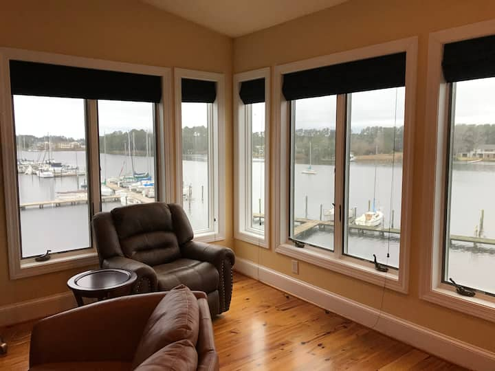 Waterfront Views & Boat Slip, Blackwell Point 236A