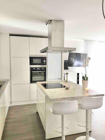 Appartement sécurisé avec terrasse privé &jacuzzi