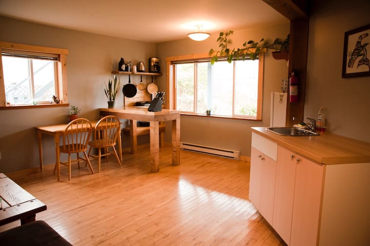 Pacific Rim Vacation Suites - Ocean view, pets ok! - Ucluelet - Hus