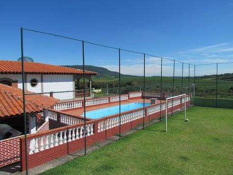 Chácara c/ piscina+ churrasq+ campo futebol+ WiFi