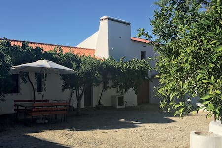 Traditional rural retreat in Alentejo - Venda do Duque - 一軒家