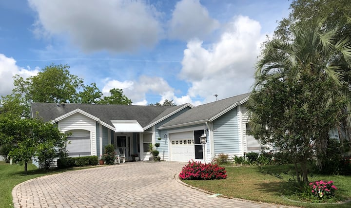 The Villages PRIME LOCATION Designer Home Must See
