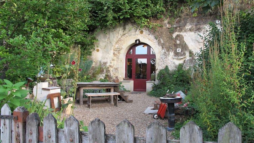 Charmant loft troglodyte dans village classé - Lavardin - Grotte