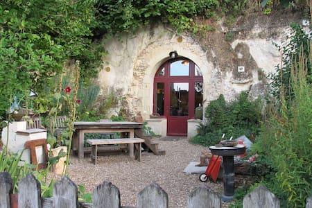 Charmant loft troglodyte dans village classé - Lavardin