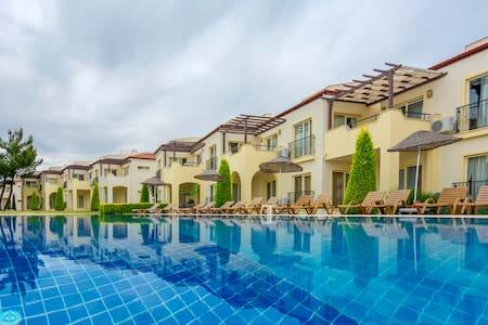 Zeus 48, Apollonium SPA and Beach Resort - Akbük - Appartement