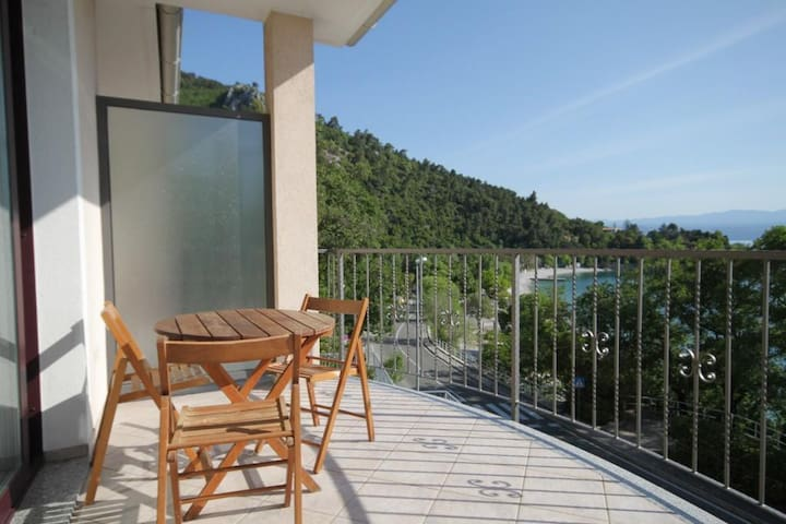Apartment Villa Lidija - Studio with Sea View and Balcony