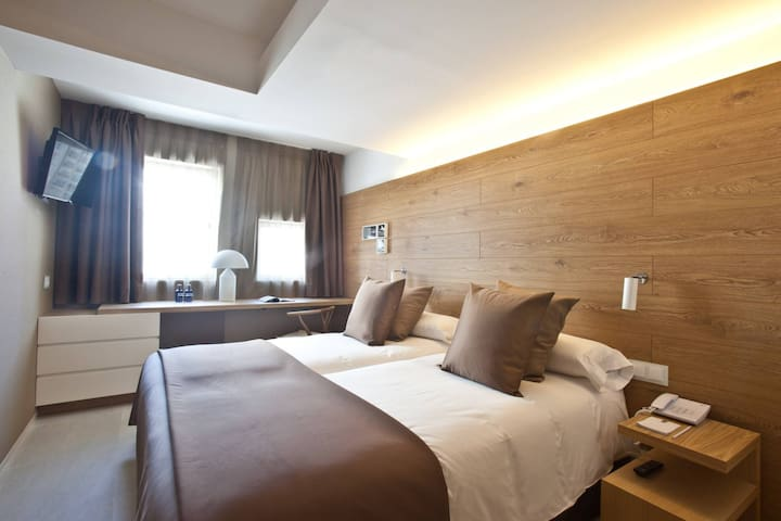 Family Room (Deluxe Double Room and Standard Double Room, connected) with breakfast - Hotel OD Port Portals