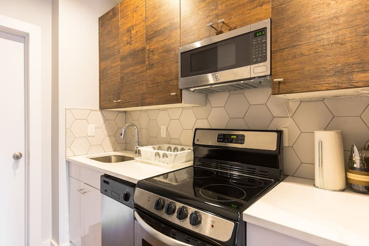 2 Beds Private Room Z - 3 Blocks to Metro