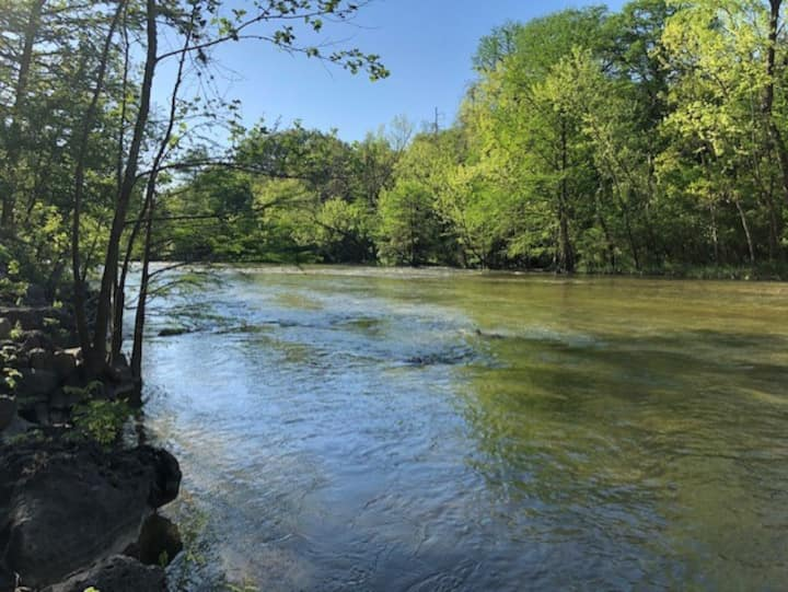Gateway to the Guadalupe River House Sleeps 8