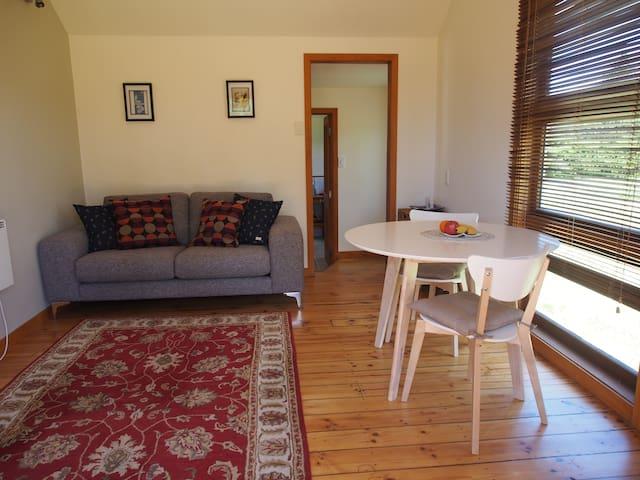 Charming Twizel River Cottage/Free Wi Fi