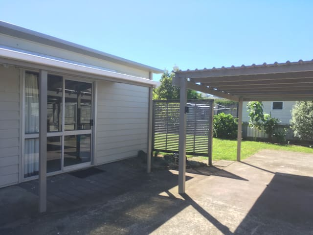 Cosy & Convenient in Whitianga - Walk to Town