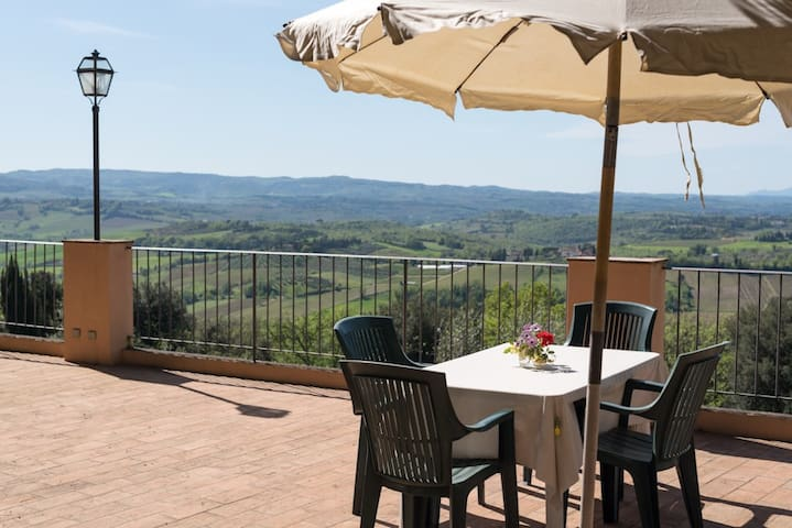 C3 large apartment in lovely resort with terrace - Pastine, Barberino Val d'Elsa (FI) - Byt
