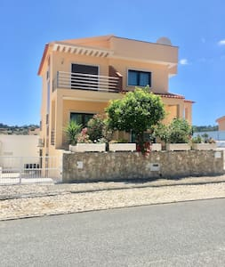 4 Bedroom detatached villa with private  pool