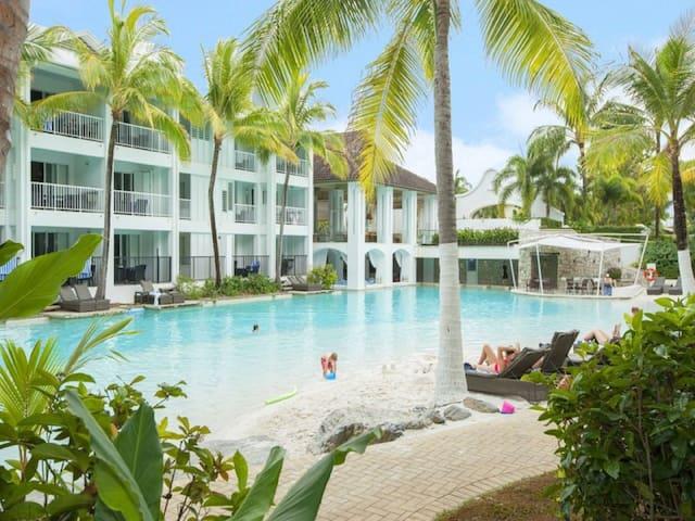 Beach Club 3 Bedroom Luxury Apartment