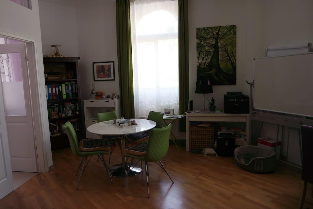 Arbeits- und Wohnzimmer