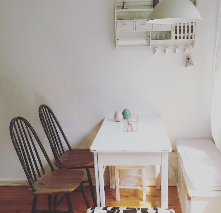 Wohn- und Essbereich /Living room and dining area